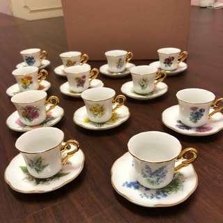 日本製🇯🇵12月份 12種花咖啡杯 咖啡套組 紀念限定月花 咖啡擺飾 咖啡廳 金咖啡杯 迷你咖啡杯 袖珍咖啡杯
