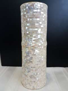 Porcelian vase with mother of pearl