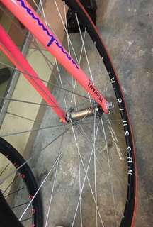 Hplusson front wheel
