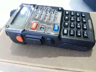 Handy talkie Baofeng uvr5se plus