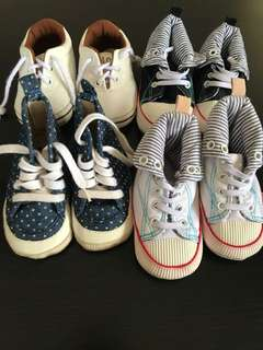 BUNDLE Baby boy shoes (6-12moths)