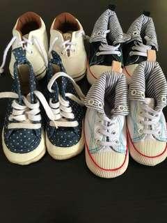 BUNDLE Baby boy shoes (6-12moths)