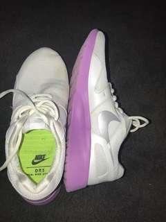 Nike's 💜