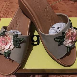 Figlia Shoes Size 9 very comfortable to wear BRANDNEW