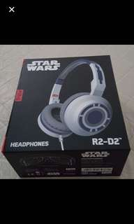 (Brand New, Original bought from London)Tribe Star Wars Headphones R2-D2. Headphones can adjustable headband; Foldable headphones with 180-degrees cup swivel; Soft padded ear cushions; Internal microphone.    Plug: 3.5mm.