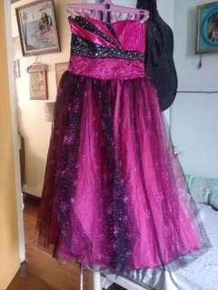 GOWN WITH FREE NECKLACE AND EARINGS