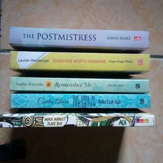Novel Muka market place/ everyone worth knowing/ Remember me/ The postmistress/ The book of tomorrow