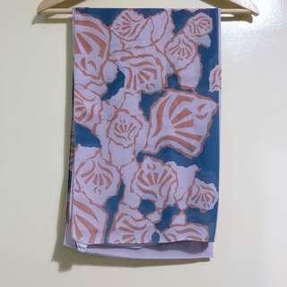 Mimpikita Rosy Printed Shawl in Lilac