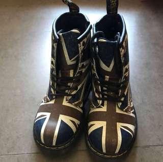 100% new dr Martens kids boots