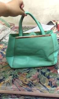🚚  #畢業兩百元出清 Tiffany綠手提包