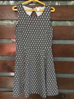 H&M Geometric Print Black/White Skater Dress