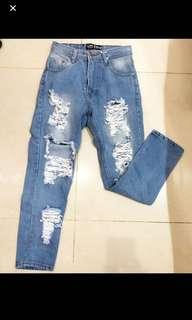 ( TURUN HARGA ) Punny ripped jeans sobek