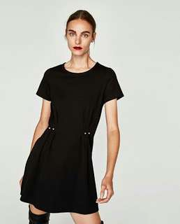 Size: Small | Preloved Zara Tshirt Dress with Faux Pearl