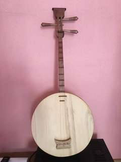 Yue Qing. Chinese Musical Instrument.
