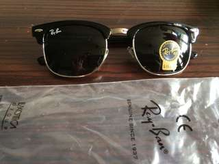 Ray ban clubmaster rb3016 w0365 51mm size