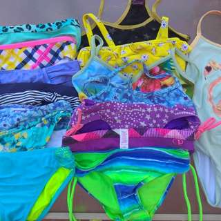 Take all medium or 8-10 swimsuits! 23 pcs..