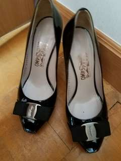 Ferragamo heel shoes 8C