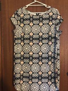 Women's tshirt dress style size L with paisley pattern
