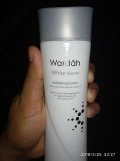Wardah White Secret Exfloating Lotion