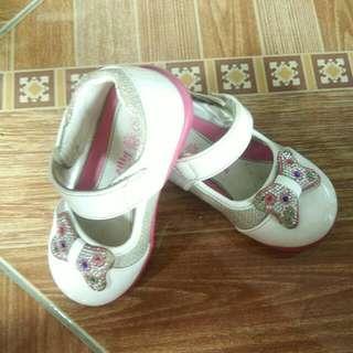 Preloved Sepatu Anak Size 24