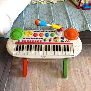 🚚 Toyroyal 音樂鋼琴 功能正常 8成新