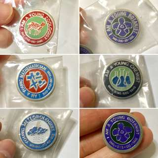 Old school badges 🇸🇬