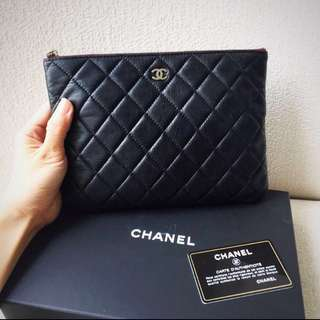 AUTHENTIC CHANEL Lambskin Medium O Case / Clutch