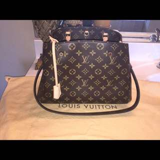 Louis Vuitton montaigne Small