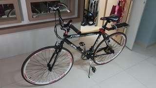 700c hybrid bike