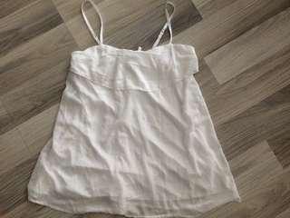 🚚 細肩帶背心。M size。白色。