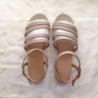 Vincci Taupe sandals