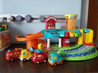 VTech Toot Toot Driver Garage Set + vehicles