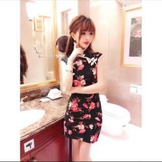 🚚 印花改良式旗袍