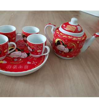 Post Wedding sale (Brand new Teapot set)