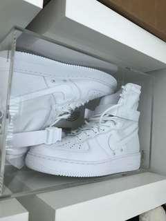 Nike Air Force 1 SF Triple White