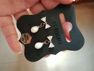 Pearl with diamond earrings