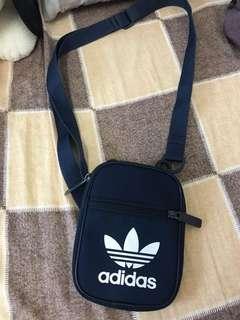 Adidas 小包 深藍