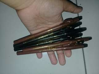 Pensil alis just miss