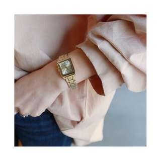🚚 CASIO手錶 金色白面