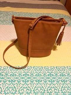 Tan shoulder/ crossbody bag