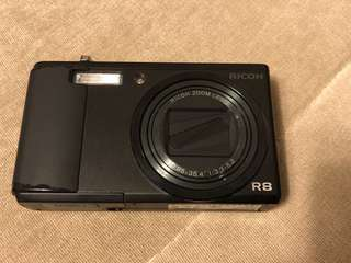 🚚 RICOH 復古造型專業相機R8