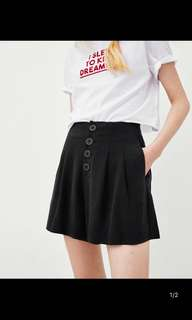🚚 European and American women's new pleated shorts