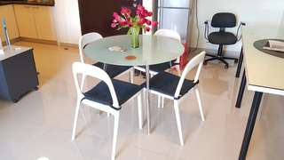 Glass Dining table 4 chair round