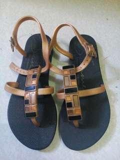 Grendha sandals for kids