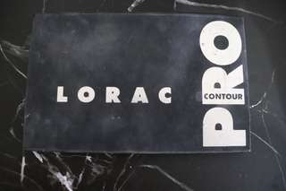 LORAC countour and higlight pallette