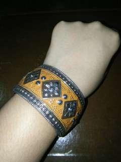 Elegant bracelet