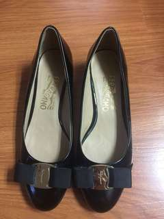 Authentic Salvatore Ferragamo Vera Pumps