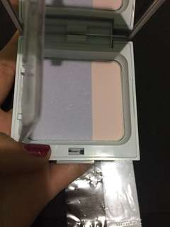 Dual fit compact powder