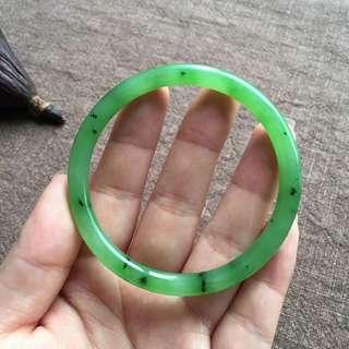 碧玉苹果绿圆条手镯