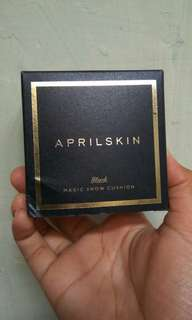 April Skin Magic Snow Cushion Black No. 21